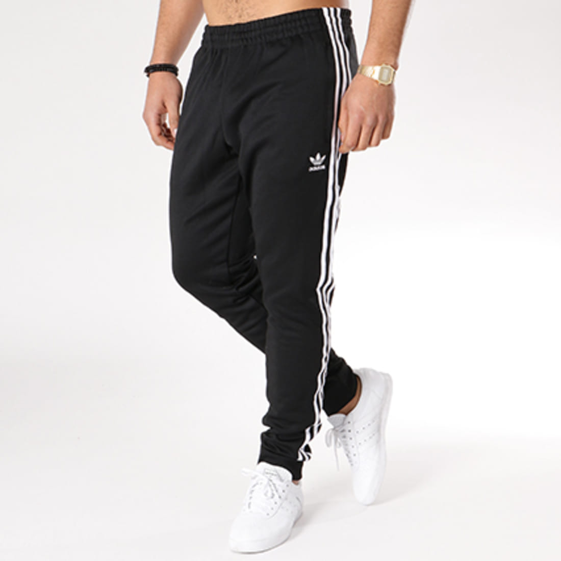 Hombre repertorio Puede ser ignorado  adidas - Pantalon Jogging Bandes Brodées SST CW1275 Noir Blanc -  LaBoutiqueOfficielle.com
