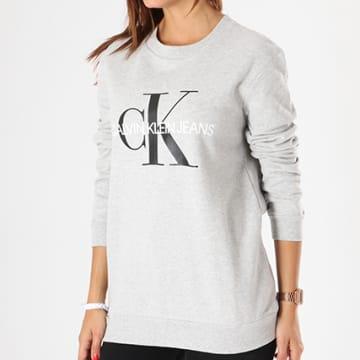 Calvin Klein - Sweat Crewneck Femme Core Monogram Logo 7877 Gris Chiné
