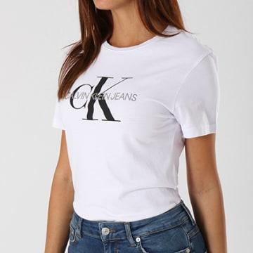 Calvin Klein - Tee Shirt Femme Core Monogram Logo 7878 Blanc