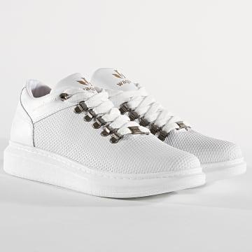 Baskets 047 White