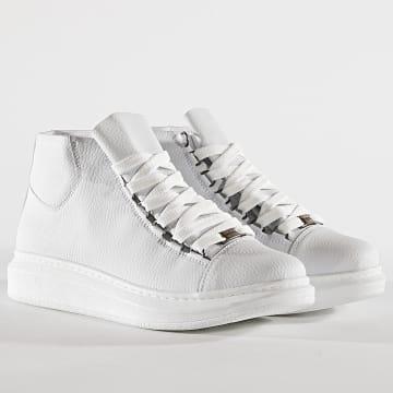 Baskets 032 White