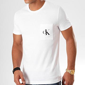 Calvin Klein - Tee Shirt Poche Slim Monogram 5578 Blanc