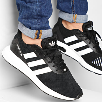 Adidas Originals - Baskets Swift Run RF FV5361 Core Black Footwear White