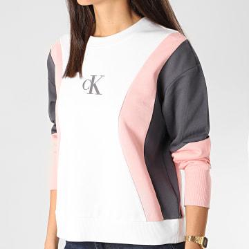 Calvin Klein - Sweat Crewneck Femme Colorblock 3478 Blanc Rose Gris
