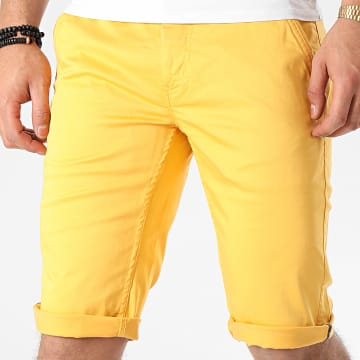 Short Chino Most Jaune