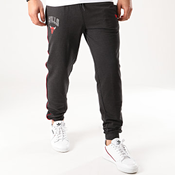 New Era - Pantalon Jogging NBA Chicago Bulls Piping 12195375 Gris Anthracite Chiné