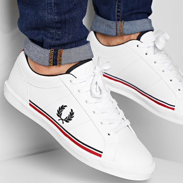 Fred Perry - Baskets Baseline Perf Leather B7114 White