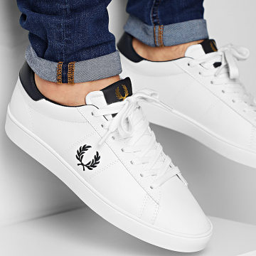 Fred Perry - Baskets Spencer Leather B8250 Porcelain