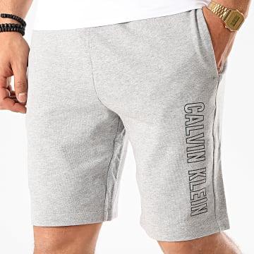 Calvin Klein - Short Jogging GMS0S878 Gris Chiné Réfléchissant