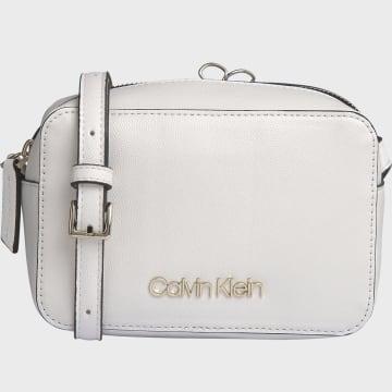 Calvin Klein - Sac A Main Femme Must Camera Bag 6650 Blanc