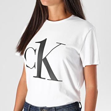 Calvin Klein - Tee Shirt Femme 6436 Blanc