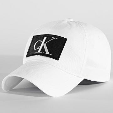 Calvin Klein - Casquette Essentials 5872 Blanc