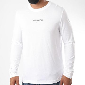 Calvin Klein - Tee Shirt Manches Longues Liquid Logo 5646 Blanc