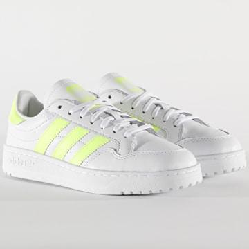 Adidas Originals - Baskets Femme Team Court FW5072 Footwear White HiRisk Yellow