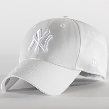 New Era - Casquette Femme 9Forty Satin 12489923 New York Yankees Blanc