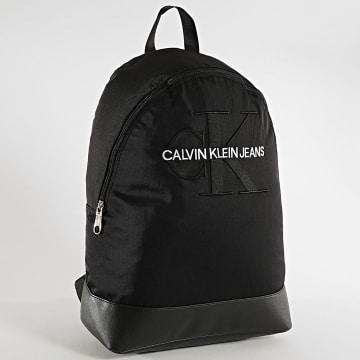 Calvin Klein - Sac A Dos Monogram Nylon 4733 Noir