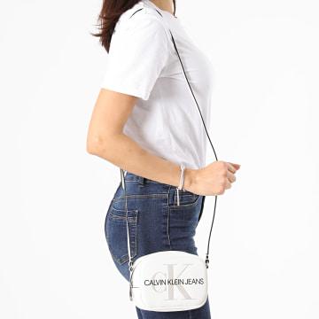Calvin Klein - Sac A Main Femme Sculpted Monogram 5524 Blanc
