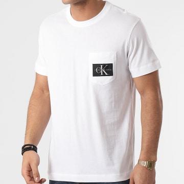 Calvin Klein - Tee Shirt Poche Monogram Badge 8088 Blanc