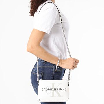 Calvin Klein - Sac A Main Femme Camera Pouch 7858 Blanc