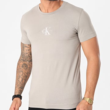 Calvin Klein - Tee Shirt New Iconic Essential 7092 Gris