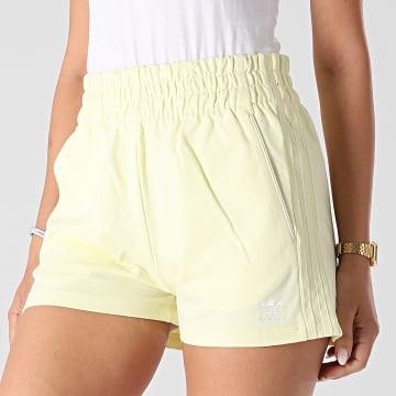Adidas Originals - Short Jogging Femme A Bandes H56439 Jaune