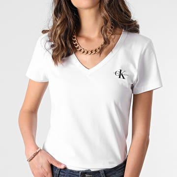 Calvin Klein - Tee Shirt Col V Femme Monogram Slim 7166 Blanc