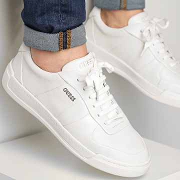 Guess - Baskets FM7STREAL12 Off White