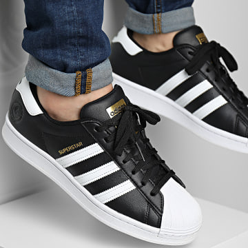 Adidas Originals - Baskets Superstar Vegan FW2296 Core Black Cloud White Gold Metallic