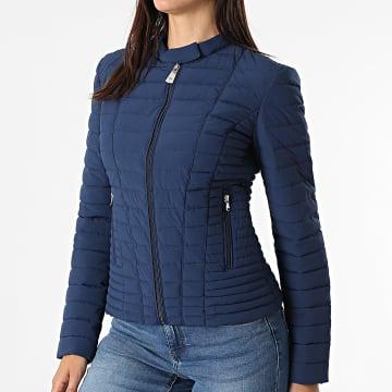 Guess - Doudoune Femme W0BL1I-W6NW0 Bleu Marine