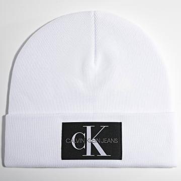 Calvin Klein - Bonnet Monogram 7052 Blanc