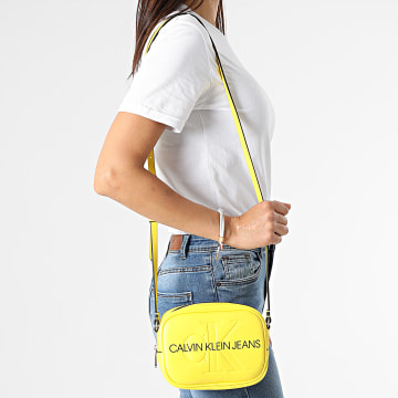 Calvin Klein - Sacoche Femme Camera Bag 7202 Jaune