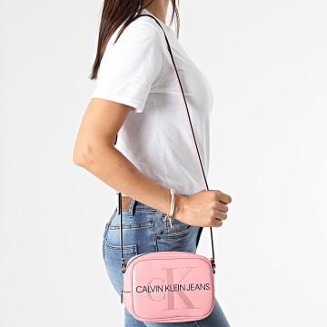 Calvin Klein - Sacoche Femme Camera Bag 7202 Rose