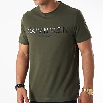 Calvin Klein - Tee Shirt Multi Embroidery 7247 Vert Kaki