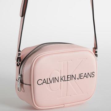 Calvin Klein - Sacoche Femme Sculpted Camera 8373 Rose