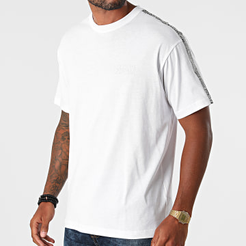 Versace Jeans Couture - Tee Shirt A Bandes Regular Tape Logo 71GAH6R9-J0001 Blanc Réfléchissant