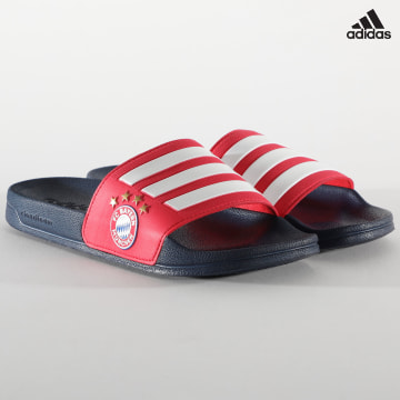 https://laboutiqueofficielle-res.cloudinary.com/image/upload/v1627638668/Desc/Watermark/adidas_performance.svg Adidas Performance - Claquettes Adilette Shower Bayern Munich FW7076 Red Footwear White Collegiate Navy
