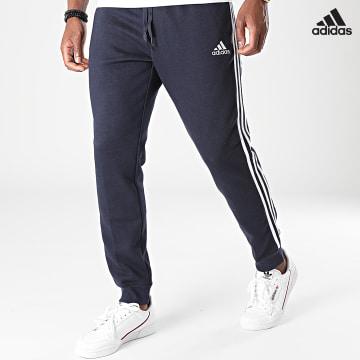 https://laboutiqueofficielle-res.cloudinary.com/image/upload/v1627638668/Desc/Watermark/adidas_performance.svg Adidas Performance - Pantalon Jogging A Bandes 3 Stripes GK8823 Bleu Marine