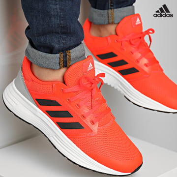 https://laboutiqueofficielle-res.cloudinary.com/image/upload/v1627638668/Desc/Watermark/adidas_performance.svg Adidas Performance - Baskets Galaxy 5 H04595 Solar Red Carbon Grey Two