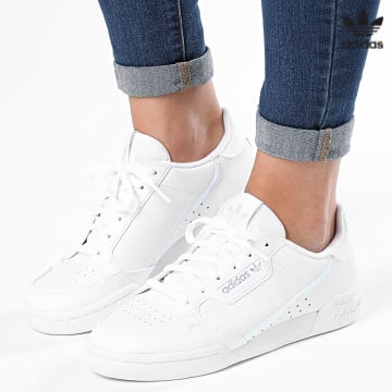 https://laboutiqueofficielle-res.cloudinary.com/image/upload/v1627646526/Desc/Watermark/3adidas_orginal.svg Adidas Originals - Baskets Femme Continental 80 FU6669 Cloud White Core Black