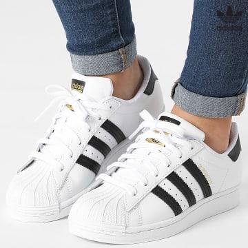 https://laboutiqueofficielle-res.cloudinary.com/image/upload/v1627646526/Desc/Watermark/3adidas_orginal.svg Adidas Originals - Baskets Femme Superstar FV3284 Footwear White Core Black