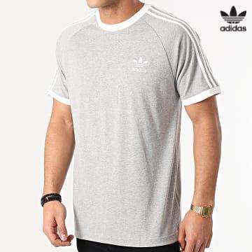 https://laboutiqueofficielle-res.cloudinary.com/image/upload/v1627646526/Desc/Watermark/3adidas_orginal.svg Adidas Originals - Tee Shirt A Bandes 3 Stripes GN3493 Gris Chiné