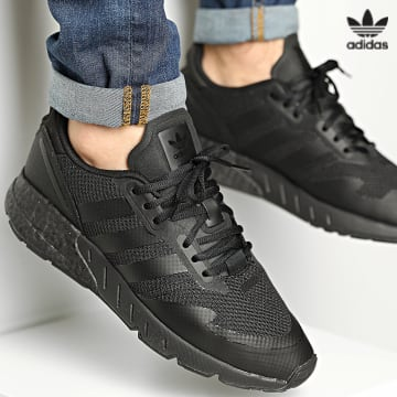 https://laboutiqueofficielle-res.cloudinary.com/image/upload/v1627646526/Desc/Watermark/3adidas_orginal.svg Adidas Originals - Baskets ZX 1K Boost H68721 Core Black