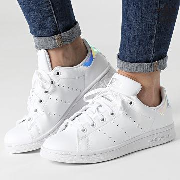 https://laboutiqueofficielle-res.cloudinary.com/image/upload/v1627646526/Desc/Watermark/3adidas_orginal.svg Adidas Originals - Baskets Femme Stan Smith FX7521 Footwear White Silver Metallic
