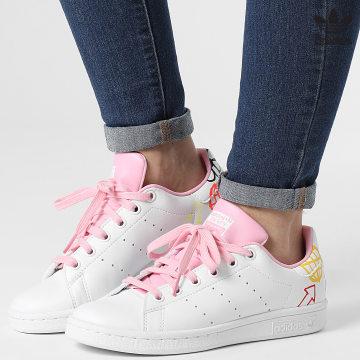 https://laboutiqueofficielle-res.cloudinary.com/image/upload/v1627646526/Desc/Watermark/3adidas_orginal.svg Adidas Originals - Baskets Femme Stan Smith FX5680 Footwear White True Pink