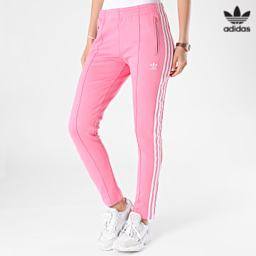 https://laboutiqueofficielle-res.cloudinary.com/image/upload/v1627646526/Desc/Watermark/3adidas_orginal.svg Adidas Originals - Pantalon Jogging Femme A Bandes H34581 Rose