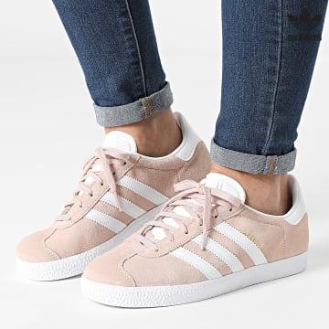 https://laboutiqueofficielle-res.cloudinary.com/image/upload/v1627646526/Desc/Watermark/3adidas_orginal.svg Adidas Originals - Baskets Femme Gazelle H01512 Pink Tint Cloud White