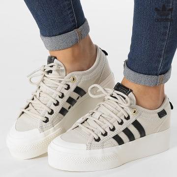 https://laboutiqueofficielle-res.cloudinary.com/image/upload/v1627646526/Desc/Watermark/3adidas_orginal.svg Adidas Originals - Baskets Femme Nizza Platform GW6082 Brown Core Black Off White