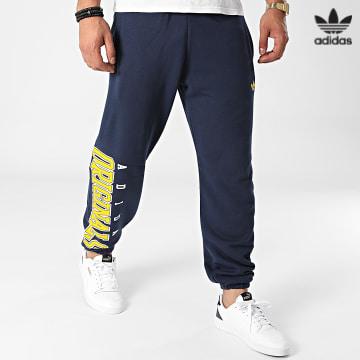 https://laboutiqueofficielle-res.cloudinary.com/image/upload/v1627646526/Desc/Watermark/3adidas_orginal.svg Adidas Originals - Pantalon Jogging Script HF9220 Bleu Marine