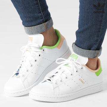 https://laboutiqueofficielle-res.cloudinary.com/image/upload/v1627646526/Desc/Watermark/3adidas_orginal.svg Adidas Originals - Baskets Femme Stan Smith GY3531 Cloud White Pantone