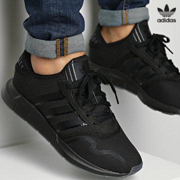 https://laboutiqueofficielle-res.cloudinary.com/image/upload/v1627646526/Desc/Watermark/3adidas_orginal.svg Adidas Originals - Baskets Swift Run X H03071 Core Black Carbon